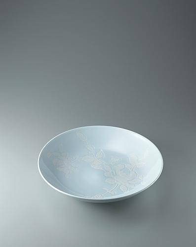 白磁牡丹彫文鉢