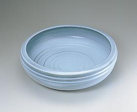 青瓷線彫文平鉢