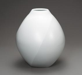 白瓷面取壺