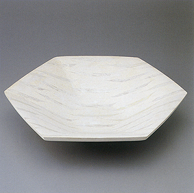 直弧文六角銀彩瓷器