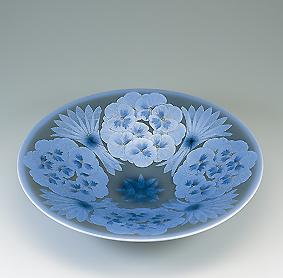 墨地紫苑釉裏銀彩花文鉢
