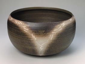 象嵌燻黒たねの鉢