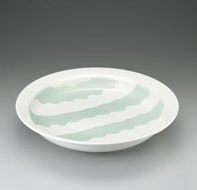 白瓷緑釉鷺彫文鉢