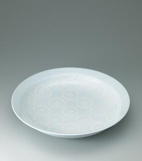 白磁花紋彫文鉢