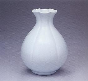 白磁百合口花瓶