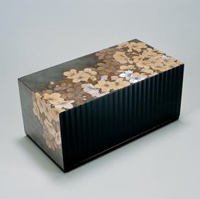 割貝蒔絵桜花文飾箱