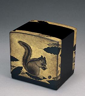 沈金栗鼠図飾箱