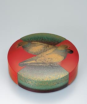 蒔絵飾箱「平和を呼ぶ」