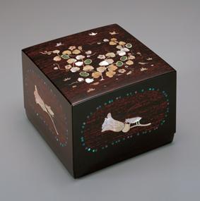 螺鈿漆箱「秋」