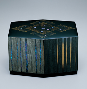 檜林蒔絵六角箱