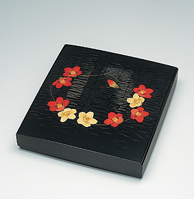 籃胎蒟醤色紙箱「列々椿」