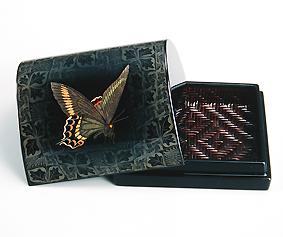 籃胎蒟醤香盒「あげは蝶」