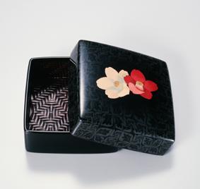 籃胎蒟醤香盒「つばき」