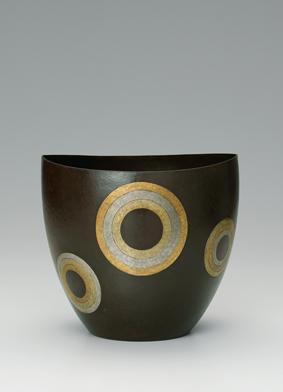 鍛鉄金銀象嵌花器