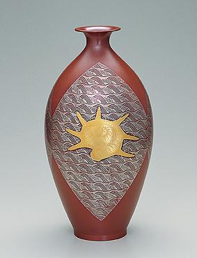 貝文銀象嵌銅瓶