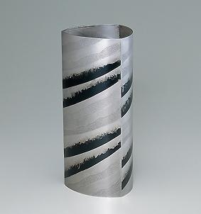 銀赤銅攪拌文花器「風光」