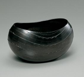 蝋型朧銀波状文鉢