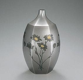 打込象嵌花瓶「野の花」