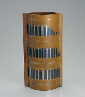 鋳ぐるみ鋳銅花器