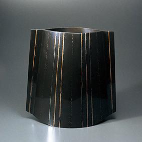鋳ぐるみ鋳銅末広花器